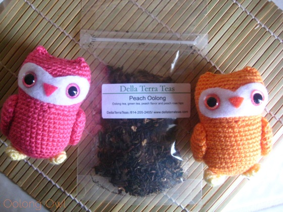 Peach Oolong from Della Terra Teas - Oolong owl tea review (1)