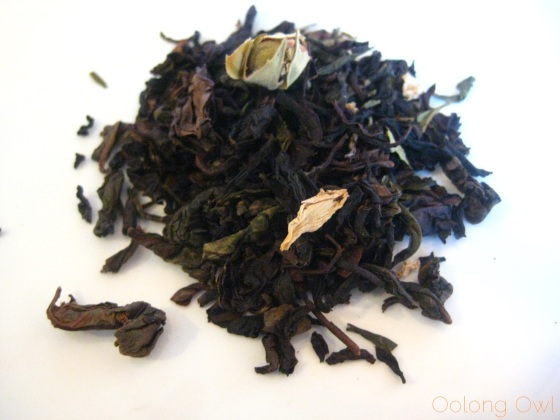 Peach Oolong from Della Terra Teas - Oolong owl tea review (2)