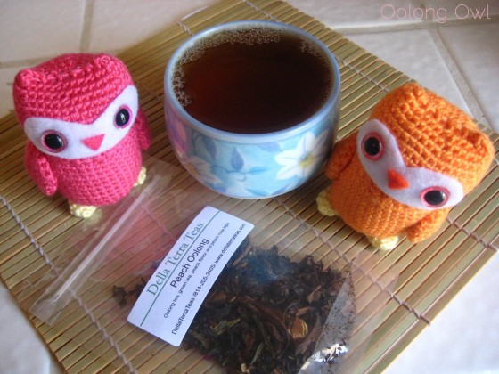 Peach Oolong from Della Terra Teas - Oolong owl tea review (4)