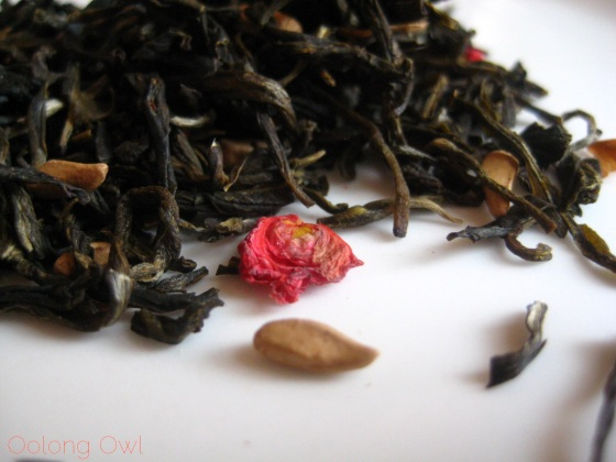 Pomegranate Magnolia White Tea from Upton Tea Imports - Oolong Owl Tea Review (6)