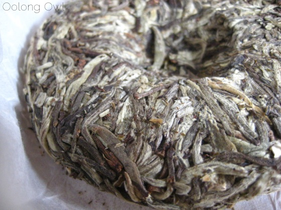 Mandala Tea Silver Buds Raw Puer 2012 - Oolong Owl Tea Review (4)